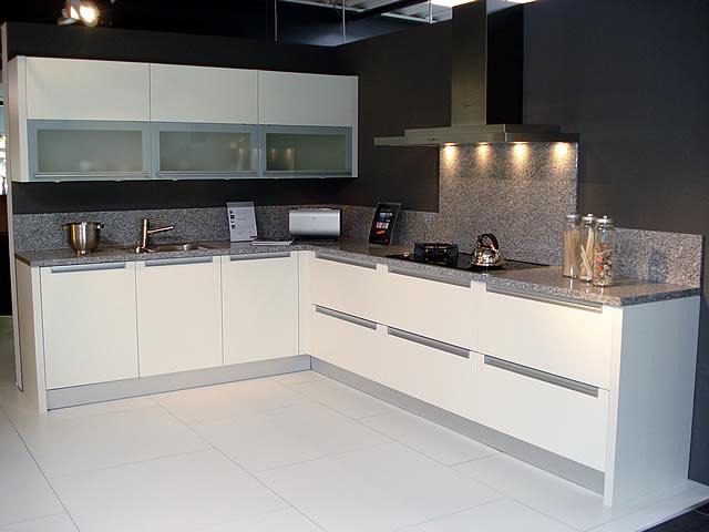 mobel kuchen faber nordhorn huishoudelijke apparaten voor thuis. Black Bedroom Furniture Sets. Home Design Ideas